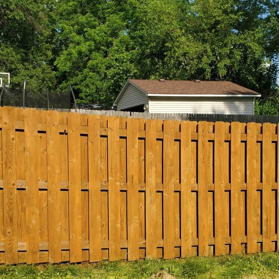 st-louis-fence-staining-10
