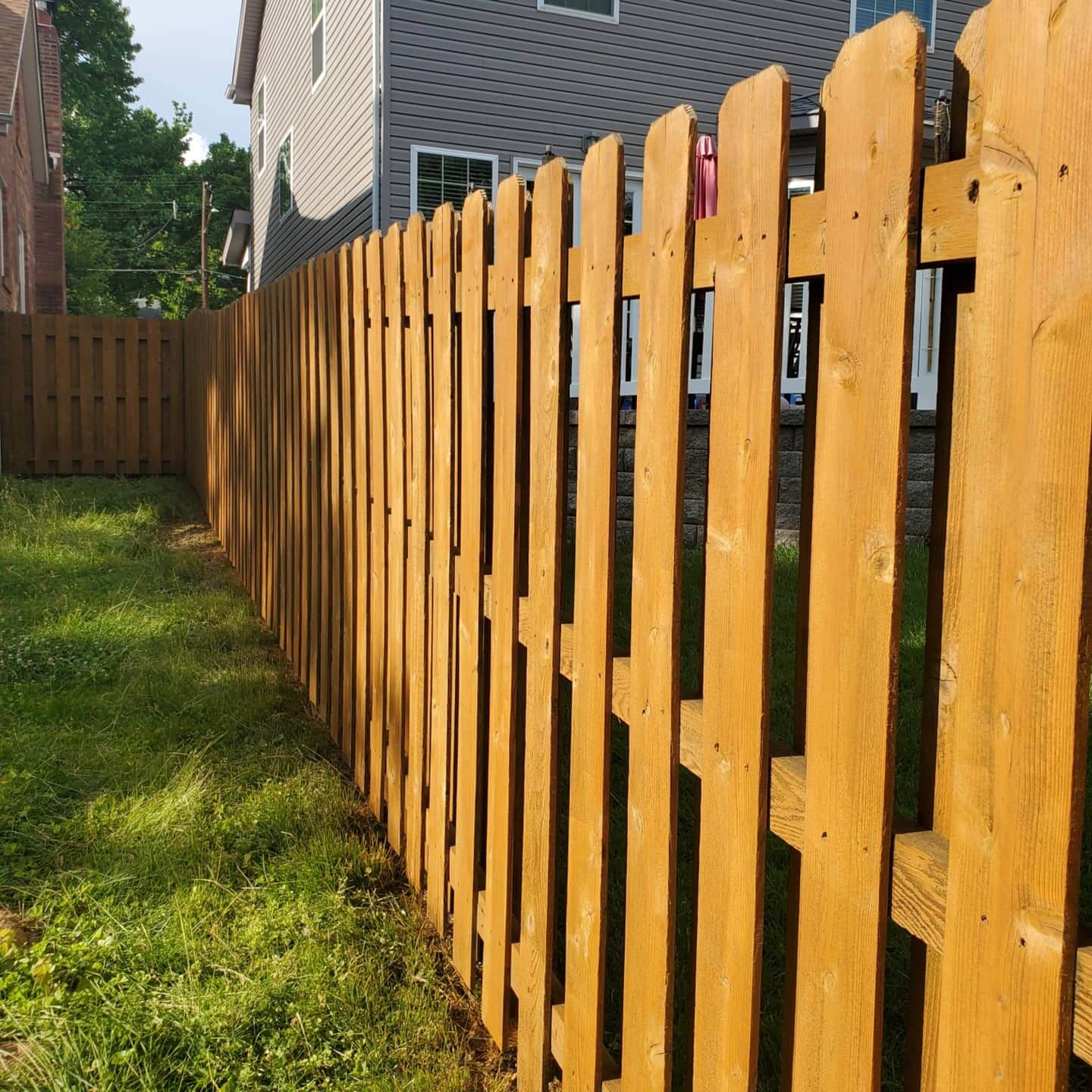 st-louis-fence-staining-5